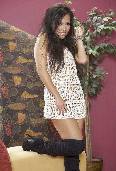 Фото №1 Сексуальная красивая милфа азиатка Gia Grace