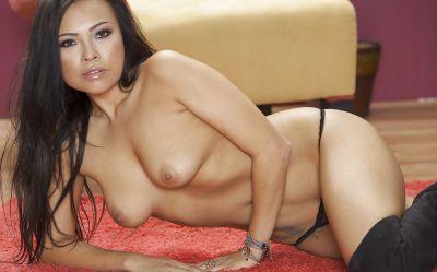 Фото №11 Сексуальная красивая милфа азиатка Gia Grace